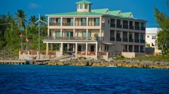 Divetech Enters New Phase in Dive Travel and Service to Grand Cayman
